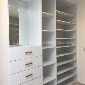 Diseño de Vestidor Moderno por Eco Closets Queretaro