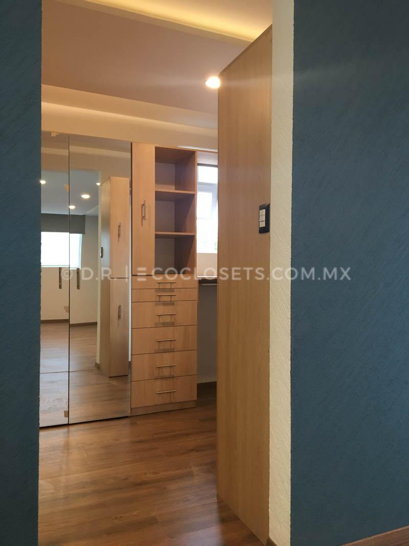 Vestidor Moderno y Grande por Eco Closets Queretaro Mexico